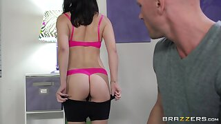 Nice fucking on the floor with fit girlfriend Daisy Haze and her BF