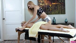 A hot MILF experiences an beside oneself knead and that sultry woman is so sweet