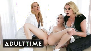 Virgin Squirts Produce a overthrow wide Comme �a Threesome - Mature TIME
